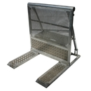 Kabeldurchlass Crash Barrier, Crashbarrier, Stage Barrier, Stagebarrier, Demogitter, B�hnengitter, Grabengitter, mobile Absperrung, Absperrungen, Barricade, Barricades, Barrikade, Blockade, Wellenbrecher, B�hnenbarrikade, Polizeigitter, B�hnenabsicherung