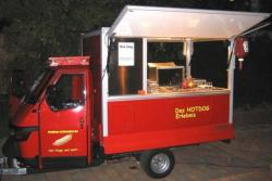 Catering mit Hotdog Wagen - Piaggio Dreirad - Hinkucker fr Ihren Polterabend oder Ihre Hochzeit - Full Service Angebot