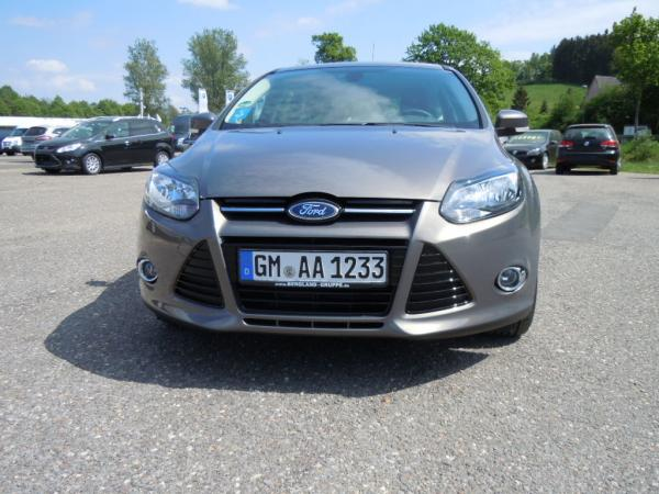 Mietwagen & Auto - Ford Focus / VW Golf