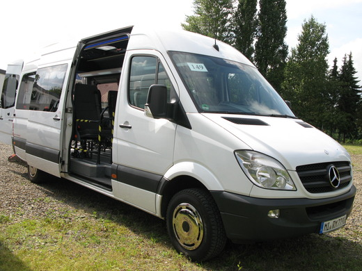 Mercedes Benz Sprinter 316 CDI 9-Sitzer oder 5 Sitzer +4 Rollstuhlfahrer / Behinderttengerechter Kleinbus / Rohlstuhlbus