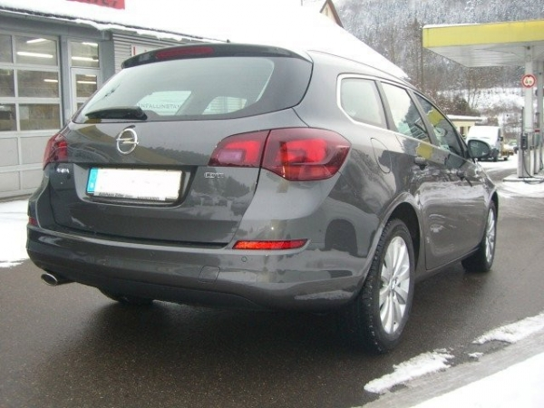 Opel Astra 2.0 CDTI Sports Tourer Innovation aus Lauterstein bei erento.com