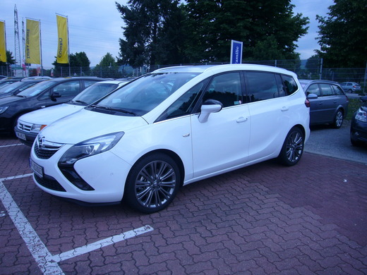 Mietwagen & Auto - Opel Zafira Tourer ( 5- oder 7-Sitzer)