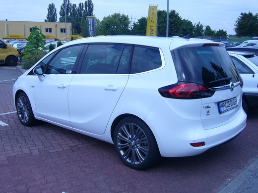 Opel Zafira Tourer ( 5- oder 7-Sitzer) aus Heppenheim bei erento.com