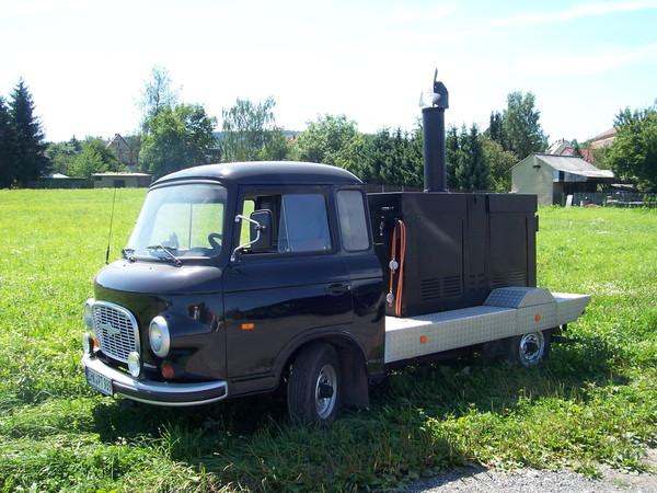 feldk che gulaschkanone mobile k che bistro. Black Bedroom Furniture Sets. Home Design Ideas