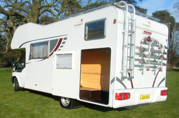 Dethleffs Sunlight A69 - 6 Berth Coachbuilt Motorhome from Cambridgshire on erento.co.uk