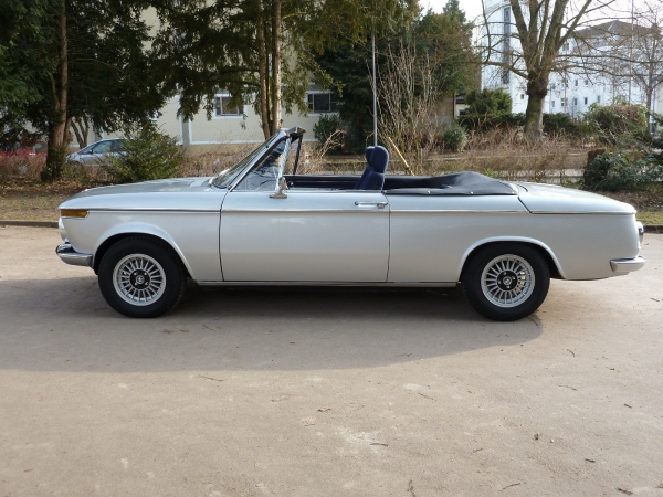BMW 1602 Cabriolet aus Wiesbaden bei erento.com