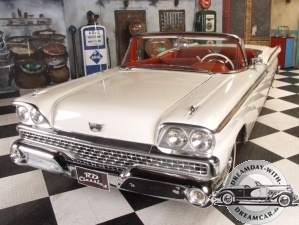 Cadillac Ford Fairliner Skyliner Cabrio 1959