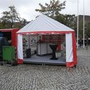 Festzelt / Partyzelt / Pavillon / Zelt 4 x 4 m / 16 qm / Zelt wei-rot mit Fenster / inkl. Auf und Abbau