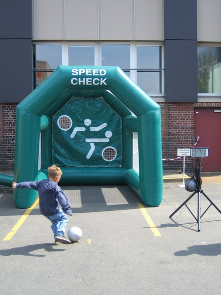 Speed Check / Ball Box / Torwand / Shoot out / Radar / Sportradar / Fußballradar / Kick aus M�nchengladbach bei erento.com