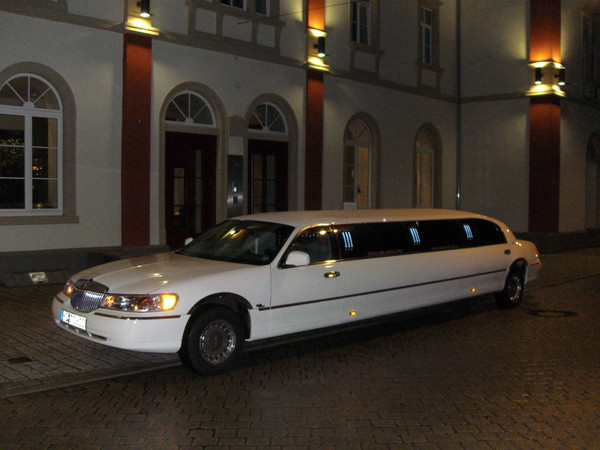 Stretchlimousine - LIMO-DRIVE IHR LIMOUSINE SERVICE AN DER BERGSTRASSE/ODENWALD