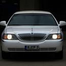 Stretchlimousine Lincoln Town Car wei� mit Chauffeur