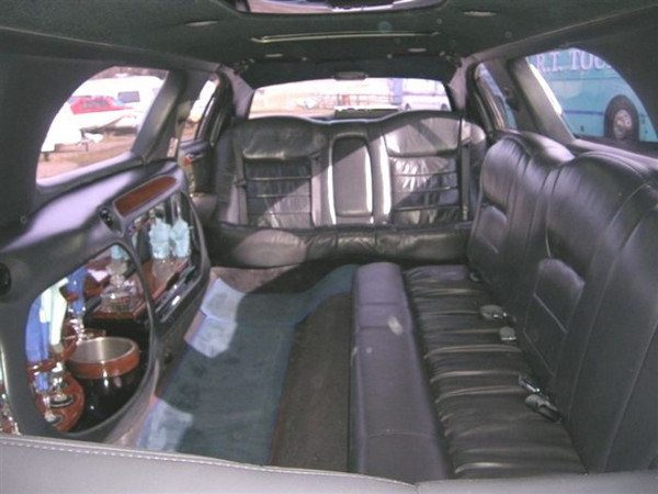 Stretchlimousine mit Chauffeur in Essen aus Essen (Ruhr) bei erento.com