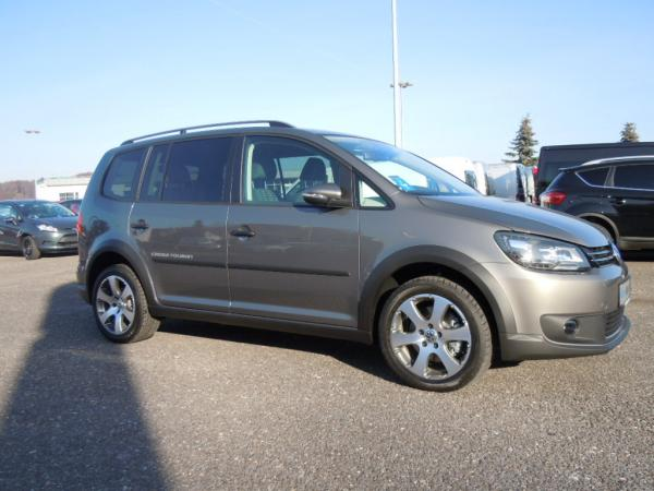 Van - VW Touran