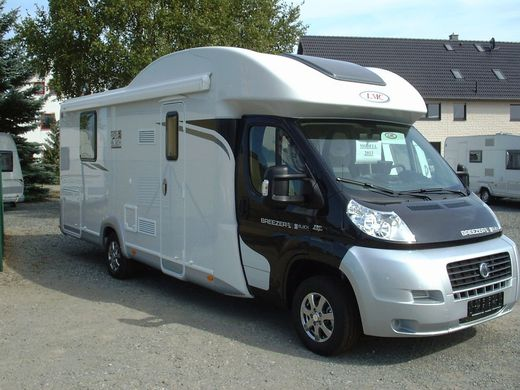 Wohnmobil - LMC Reisemobil 723 H Black Selection, Modell 2013