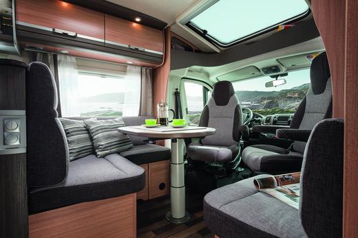 luxus wohnmobil sky ti wohnmobil 1492865612. Black Bedroom Furniture Sets. Home Design Ideas