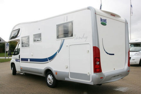 Wohnmobil - McLouis Tandy 638G Luxus mit QUEENSBETT und GR. HECKGARAGE