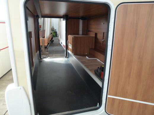wohnmobil ahorn country sm teilintegriert wohnmobil 4147728312. Black Bedroom Furniture Sets. Home Design Ideas