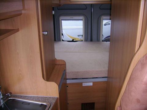 wohnmobil f r 2 personen achten sie auf unsere guten bewertungen wohnmobil 6502081037. Black Bedroom Furniture Sets. Home Design Ideas