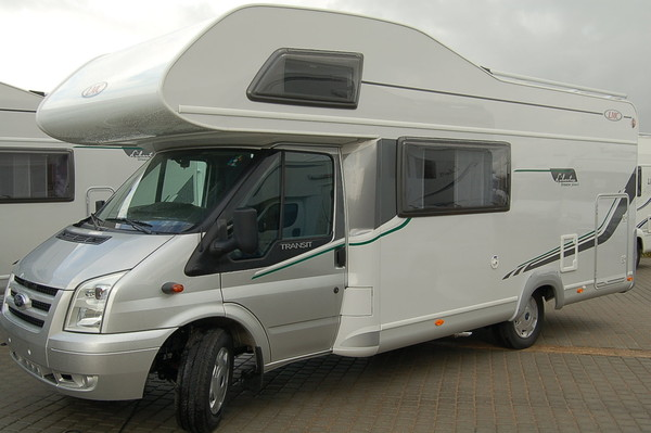 Wohnmobil LMC Breezer A 694 G