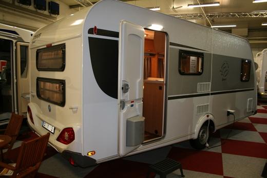 familien wohnwagen knaus 500 fdk ez 2015 1 achser 1. Black Bedroom Furniture Sets. Home Design Ideas