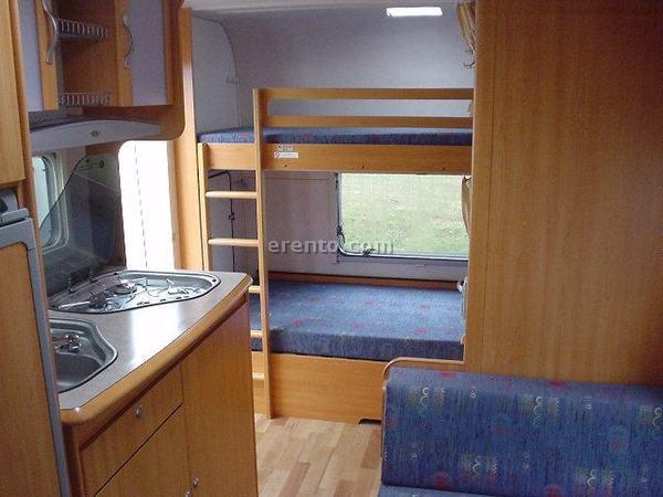 Wohnwagen Mit Etagenbett Und Doppelbett : Suche wohnwagen mit etagenbetten caravan dethleffs camper fkr