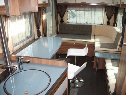luxus wohnwagen mit fu bodenheizung ideal f r den winter. Black Bedroom Furniture Sets. Home Design Ideas