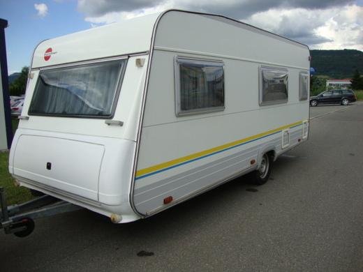 wohnwagen b rstner amara luxus mit vorzelt wohnwagen 7996007785. Black Bedroom Furniture Sets. Home Design Ideas