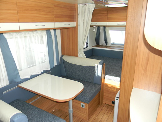 wohnwagen caravan weinsberg caraone 420 qd kompakter reisecaravan n wohnwagen 1691971436. Black Bedroom Furniture Sets. Home Design Ideas