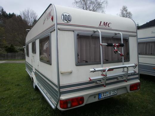 wohnwagen lmc luxus mit einzelbetten und rundsitzgruppe wohnwagen 5805887787. Black Bedroom Furniture Sets. Home Design Ideas