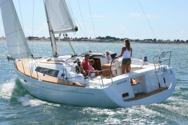 Sailing Boat Mary (3Cab)