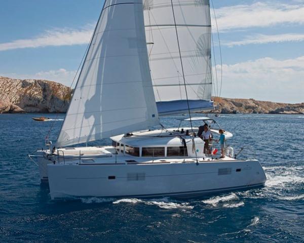Sailing Boat Tortuga (4Cab)